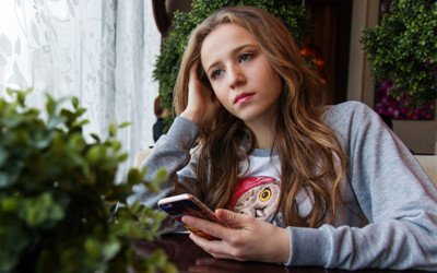 Why You Should Limit Phone Time For Your Teen